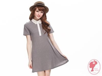 【春氛特賣】悠閒芬芳。布蕾絲x小圓點拼接領排釦長版上衣.2色