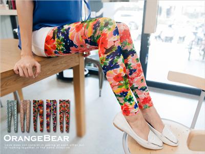 纖腿美姬~滿版個性艷麗印花彈性棉質內搭褲‧5色