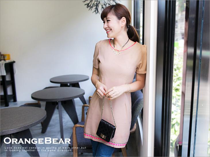 【最低出清!任選68】迷人感~亮色滾領金屬燙片裝飾洋裝?2色