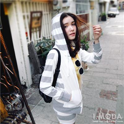 街頭個性~條紋拼接連帽外套x短裙兩件式組合‧2色