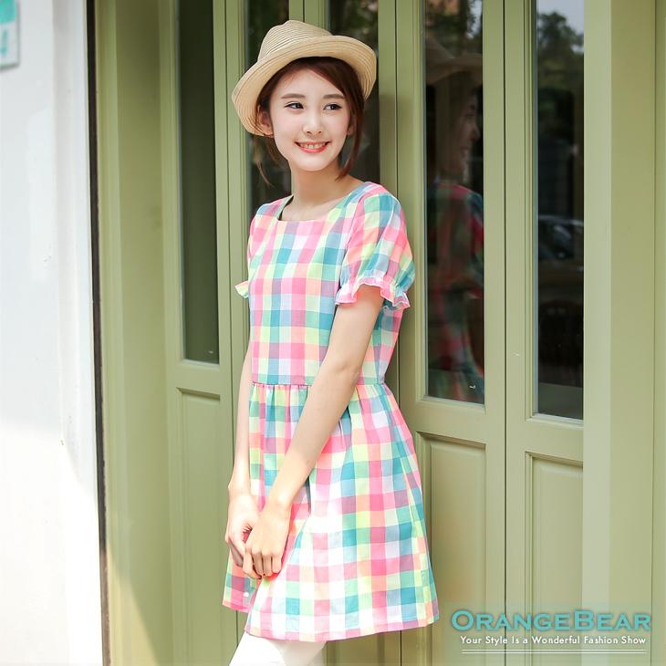 0318新品 繽紛甜美~小荷葉邊公主袖彩格紋洋裝?2色