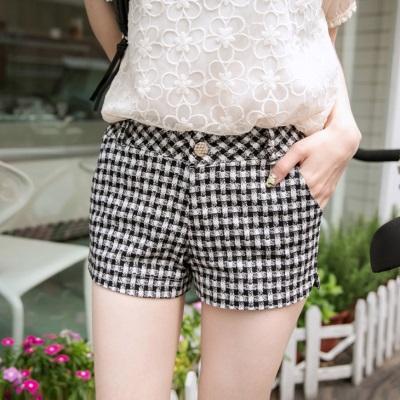 0526新品 品味格調~質感金釦黑白格紋短褲