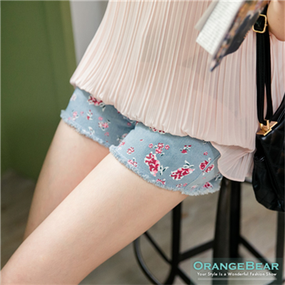 0416新品 優雅美姬~玫瑰印花抽鬚淺藍牛仔短褲
