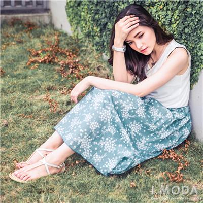 0821新品 清新淡雅~復古風小碎花長裙‧2色