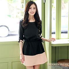 0822新品 優雅女仕~斜釦造型撞色拼接反折袖洋裝‧2色