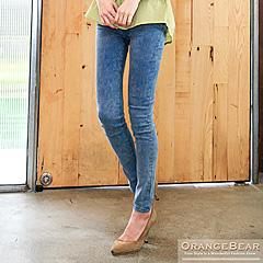 0723新品 美型動人~仿牛仔雪花刷紋質感彈性窄管褲.4色