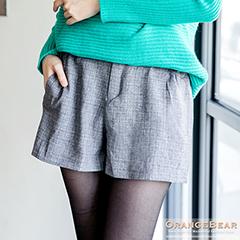 0909新品 知性甜美~格紋打摺修身俐落短褲.2色