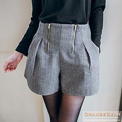 1006新品 時髦迷人~金屬拉鍊打摺立體版型修身短褲.2色
