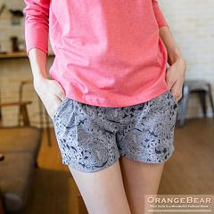 0926新品 玩美浪漫~滿版緹花立體版型打摺修身短褲.2色