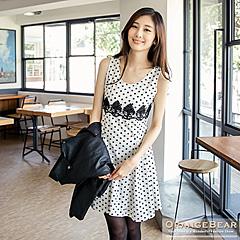 0912新品 復古可愛~點點拼接緹花裝飾傘擺剪接洋裝.2色