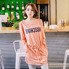 0912新品 甜美滿分~滿版蝴蝶結印花英文燙印圖抽繩洋裝.2色