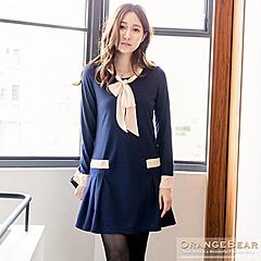 1024新品 優雅動人~撞色打摺傘擺假領巾裝飾洋裝.2色