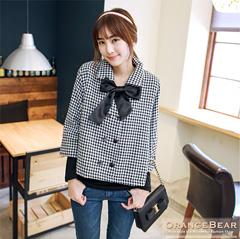 1028新品 經典時尚~附領巾千鳥格雙排釦寬版七分袖外套.2色