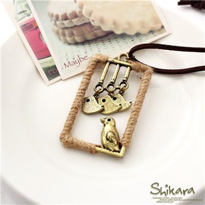 【浪漫飾品♥2件8折】精緻有趣~麻繩長方形框框小鳥墬飾項鍊