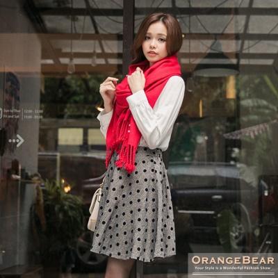 復古俏麗~質感面料點點植絨印花圓襬短裙