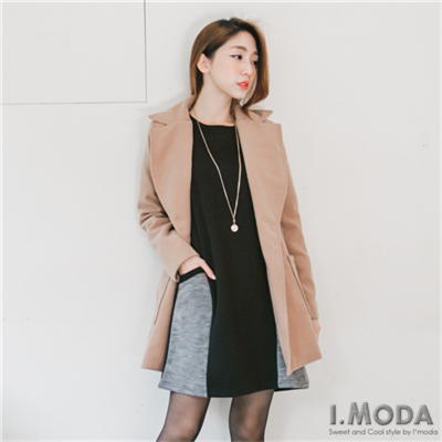 0113新品 休閒時尚~質感面料撞色口袋傘擺造型洋裝.2色