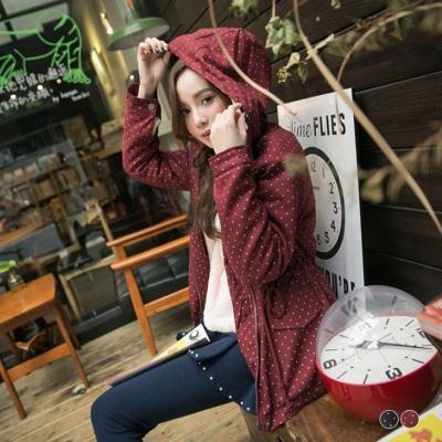 0204新品 俏麗保暖~內鋪羊羔毛點點燙印連帽抽繩長版外套.2色