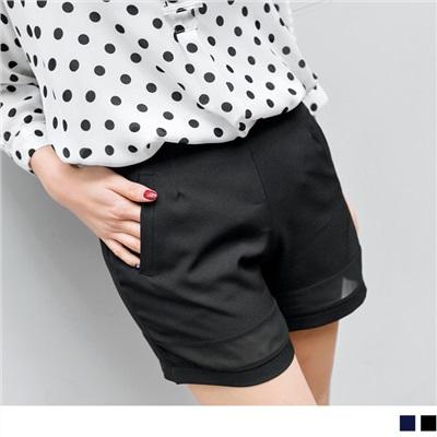 0812新品 品味提升~質感打摺側拉鏈下擺鏤空造型短褲.2色