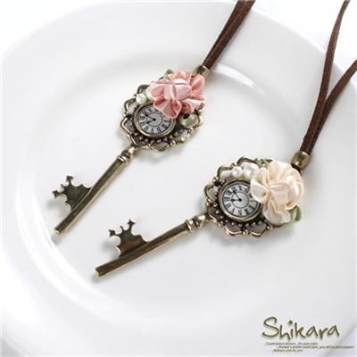 【浪漫飾品♥2件8折】古典甜美~金屬鑰匙珍珠花朵點綴皮繩項鍊.2色