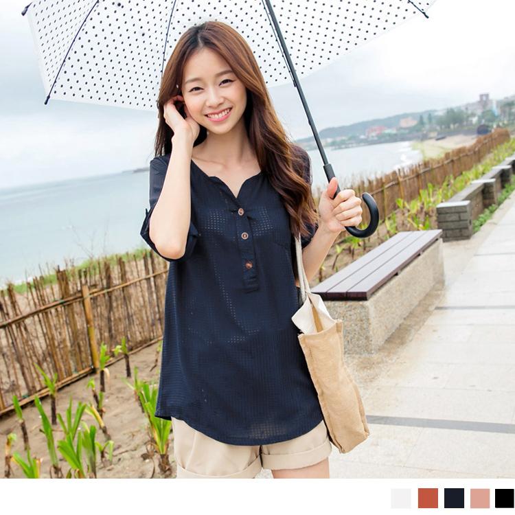 0401新品 隨性自然~半開襟排釦單口袋小格紋上衣?4色