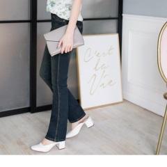 0703新品 復古俐落~懷舊刷色小喇叭牛仔褲.1色
