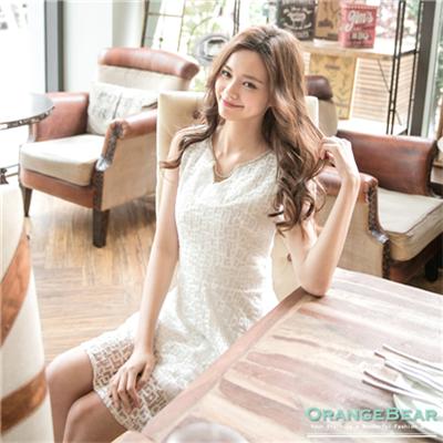 0513新品 細膩閃耀~滿版蕾絲水鑽領口高腰無袖洋裝.2色