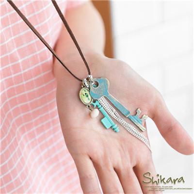 【最低出清!任選68】文青時尚~斑駁感復古鑰匙造型皮繩項鍊.1色