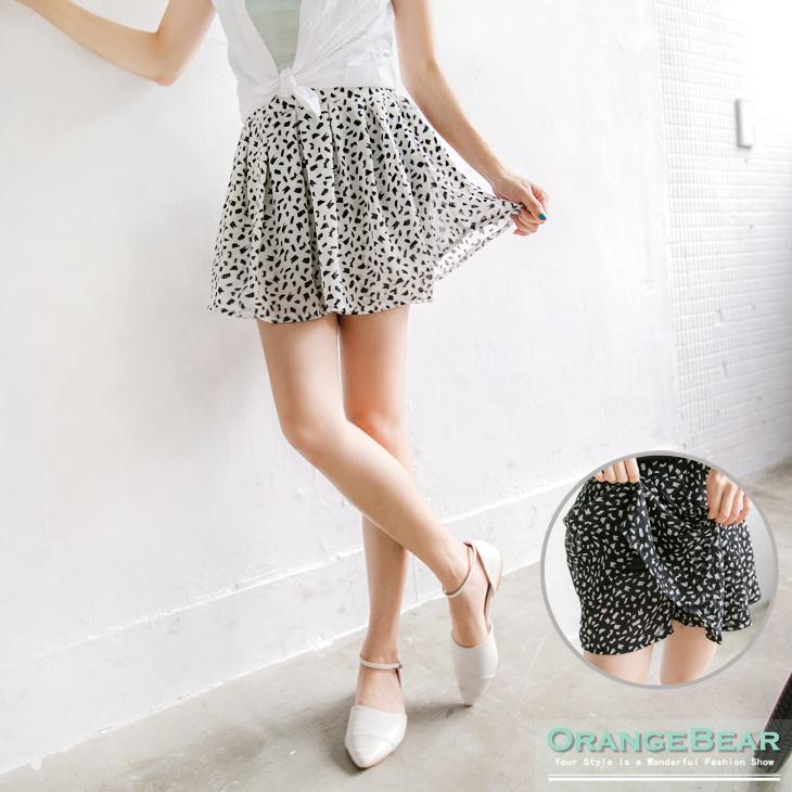 輕柔瑰麗~黑白配ob嚴選實體店面在哪色滿版印花雪紡短裙.2色
