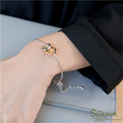 【奢華飾品♥2件68折】高端優雅~優質合金三環墬飾手環.2色