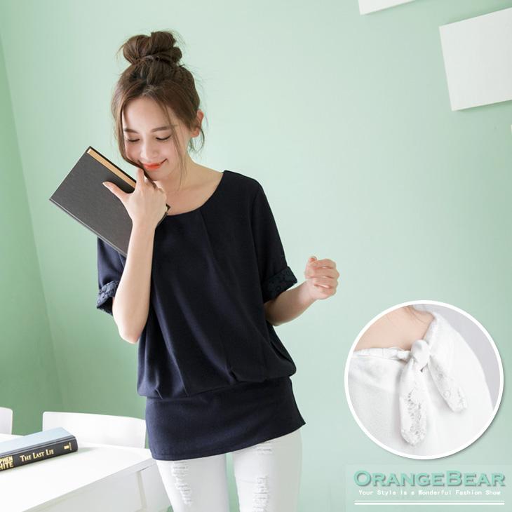0917新品 高雅瀰漫~素色質感面料X雕花布蕾絲後綁帶上衣.2色