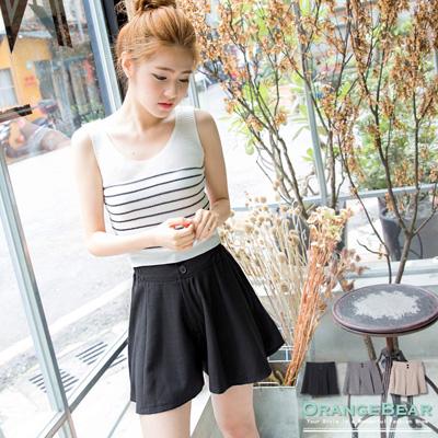 【LINE限定】絕美顯瘦~質感面料打褶排釦寬管短褲.3色
