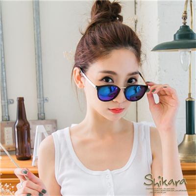 0617新品 【特價款】魅力主打~炫彩反光鏡片x金邊壓紋太陽眼鏡.2色
