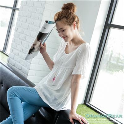 0713新品 自然清麗~素色蕾絲拼布寬襬短袖上衣.2色