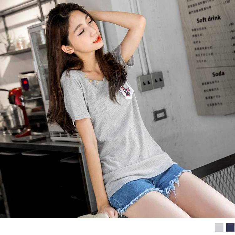 0ob地址506新品 休閒意象~簡約純色撞色碎花造型口袋T恤.2色