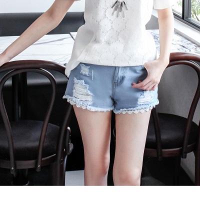 0917新品 纖細美型~破損感設計X蕾絲下襬牛仔短褲
