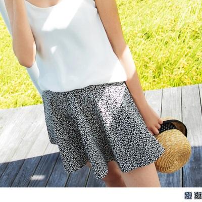 0720新品 清新甜蜜~滿版碎花側拉鍊圓襬短裙.2色