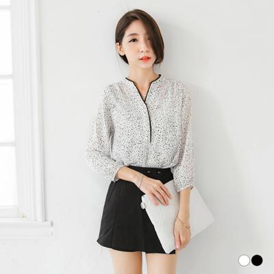 小圓點雪紡紗開襟前短後長八分袖上衣.2色