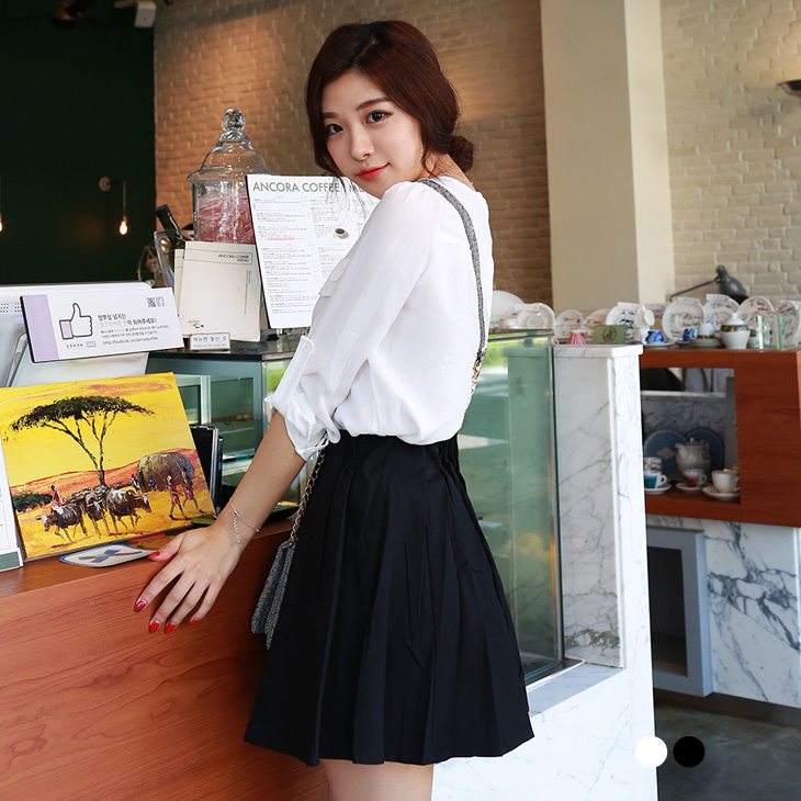 0219新品 素色質感面料打褶修身短裙.2色