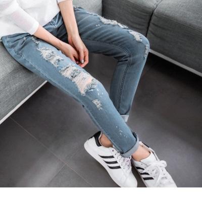 1001新品 嚴選破損感設計窄管牛仔褲
