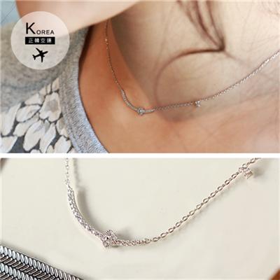 1023新品 【特價款】 精緻水鑽弧形小花墬飾項鍊