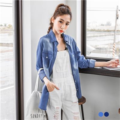 0613新品 質感洗色格紋反折袖長版仿牛仔襯衫‧2色