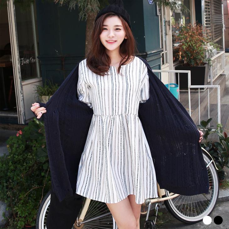 0125新品 ob實體店面小V領造型條紋高腰傘襬洋裝.2色