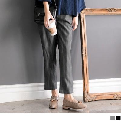 質感直條紋寬版打摺直筒西裝褲.2色