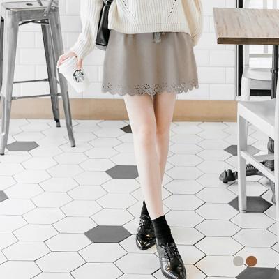 仿麂皮雕花設計流蘇抽繩短裙.2色