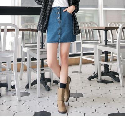 1214新品 牛仔排釦修身A字短窄裙