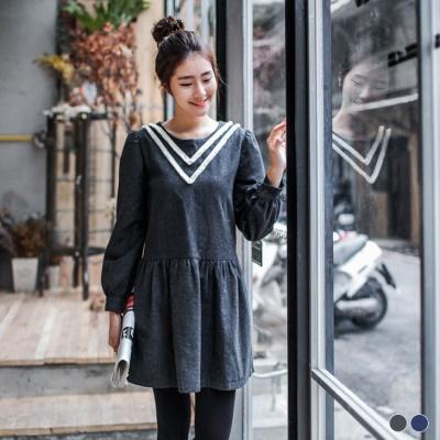 素色毛呢V型布蕾絲點綴傘襬洋裝.2色