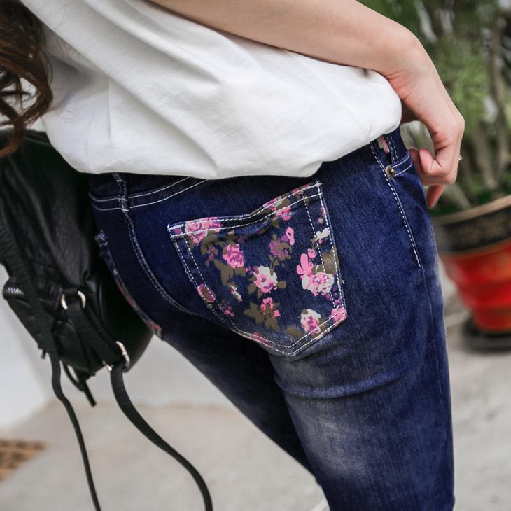 0510新品 ob 嚴 選 model浪漫花語~嚴選水洗刷色粉紅玫瑰印花彈性窄管牛仔褲