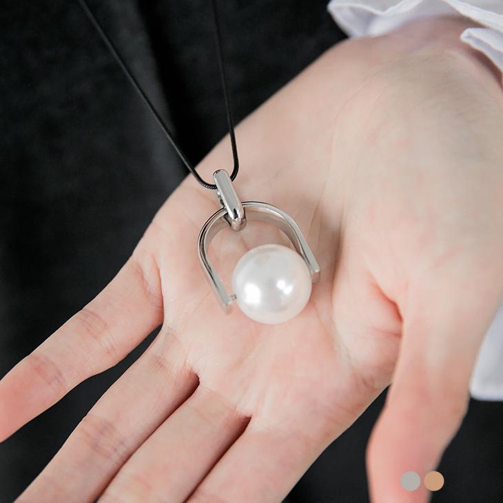 0105新品 【特價款】 馬蹄式戒指珍珠墬飾項鍊.2色