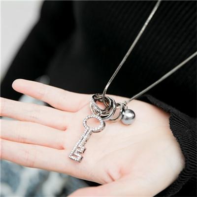 1229新品 【特價款】 金屬圈圈水鑽鑰匙珍珠項鍊