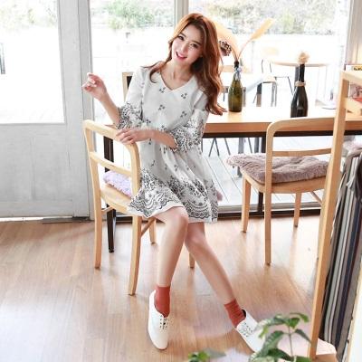 0628新品 素雅碎花造型七分袖V領高腰寬鬆洋裝